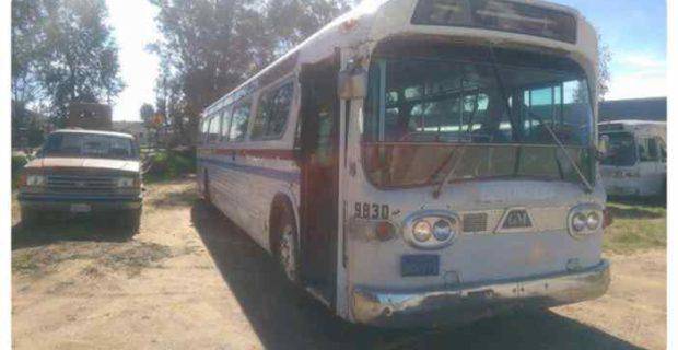 Image11 620x320 - Convierte un viejo autobús de un desguace en una casa de lujo.