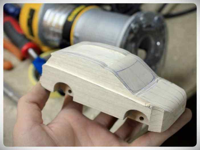 Fabricar un coche con un trozo de madera. 2