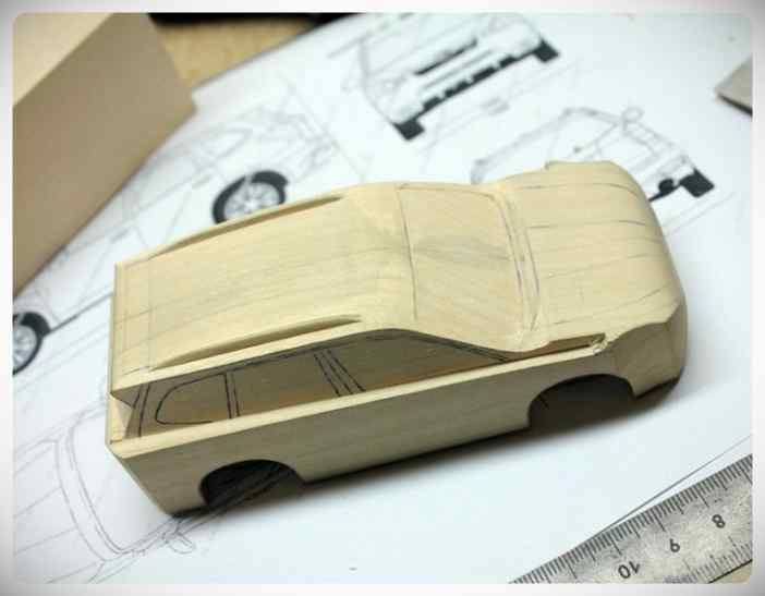 Fabricar un coche con un trozo de madera. 3