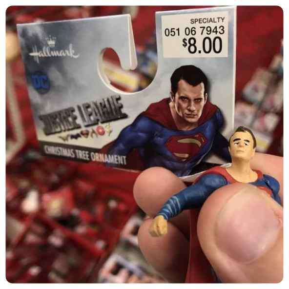 Aquí tiene su figura de Superman depresivo.