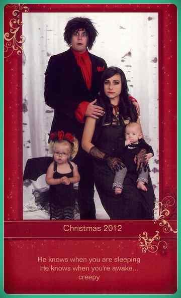 Esta familia lleva años enviando Felicitaciones de Navidad muy frikis a sus amigos y familiares. 11