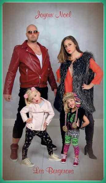 Esta familia lleva años enviando Felicitaciones de Navidad muy frikis a sus amigos y familiares. 14