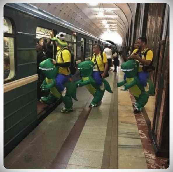 imagenes divertidas metro 08 - La cantidad de gente rara que viaja en el metro.