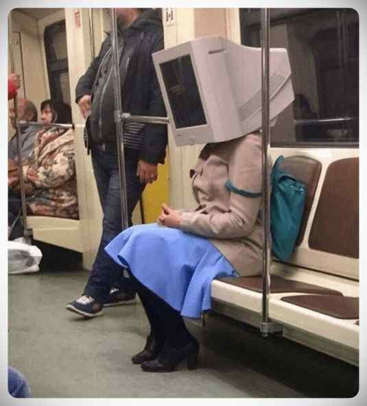 imagenes divertidas metro 11 - La cantidad de gente rara que viaja en el metro.