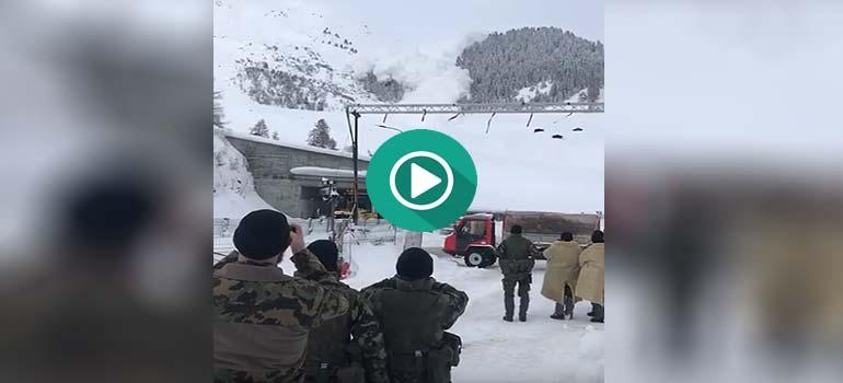 Los peligros de grabar una avalancha de nieve.