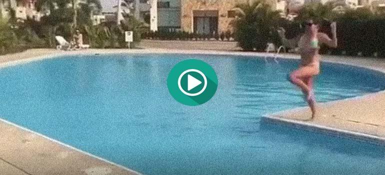 Como no debes saltar en una piscina. Un fail muy doloroso. 2