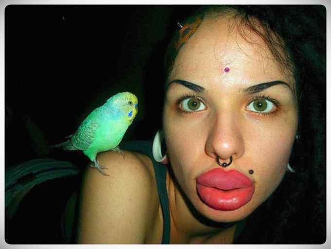 ¿Que extraño virus esta atacando los labios de las chicas? 6