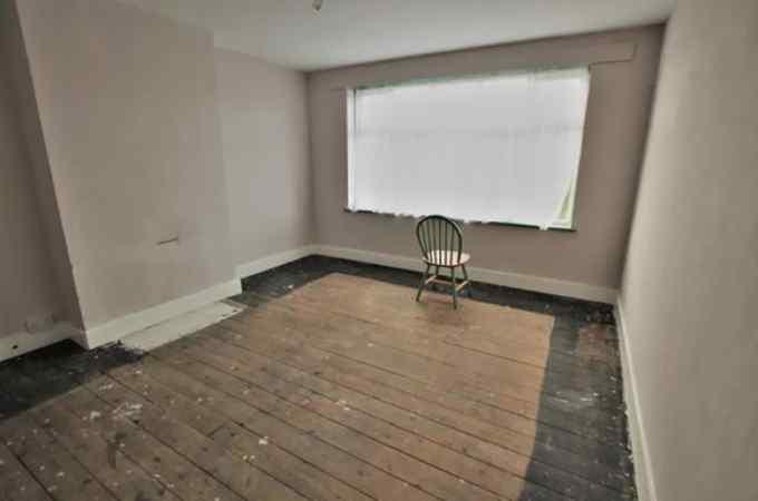 Las fotos mas extrañas de gente que vende su casa. 14