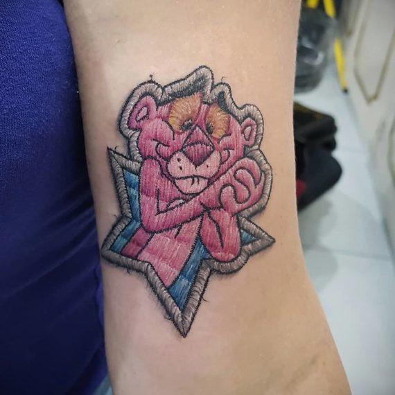 Espectaculares tatuajes que parece auténticos bordados. 9