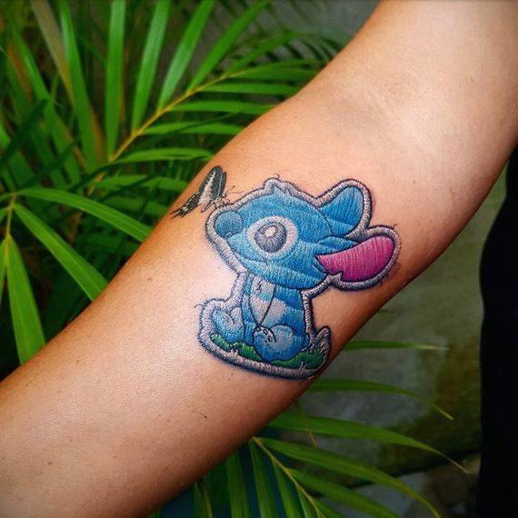 Espectaculares tatuajes que parece auténticos bordados. 10