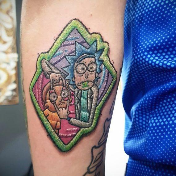 Espectaculares tatuajes que parece auténticos bordados. 12