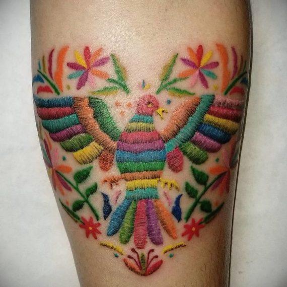 Espectaculares tatuajes que parece auténticos bordados. 14