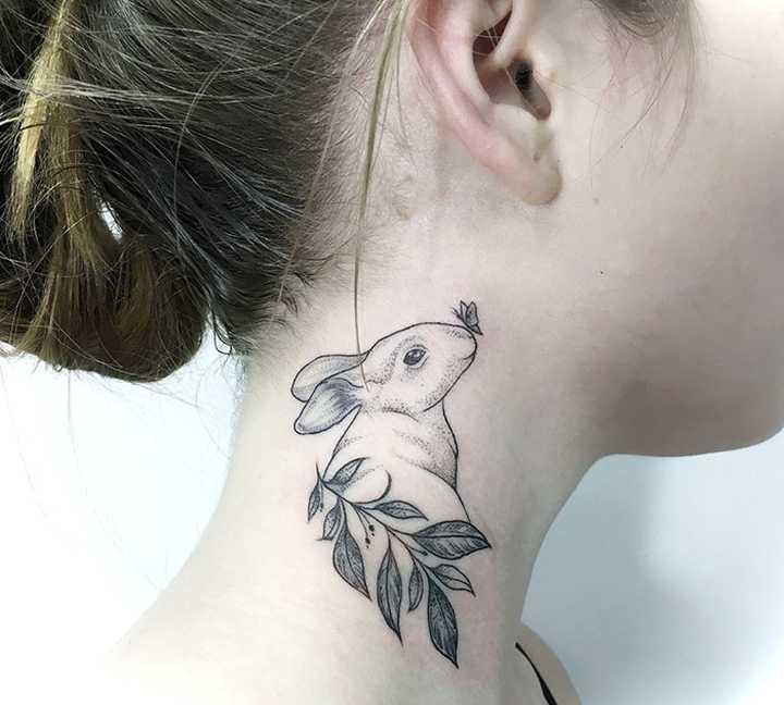 18 Ideas para tatuajes en el cuello. 13