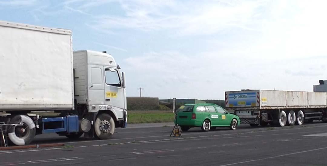¿Por qué no es buena idea quedarse detrás de un camión? 2