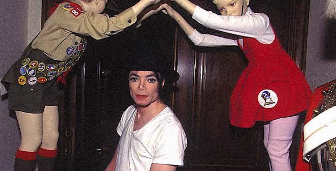 10 sorprendentes cosas encontradas en la casa de Michael Jackson.