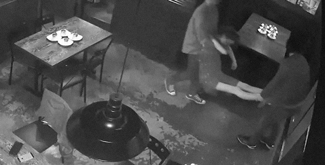 Restaurante multado por servir 86 chupitos a 5 personas.