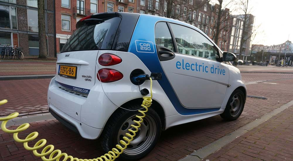 Inventor logra crear una batería con más de 2.400 Km de autonomía. 2