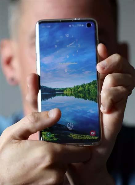 Un protector de pantalla de eBay permite saltarse la protección de huella del Galaxy S10 2
