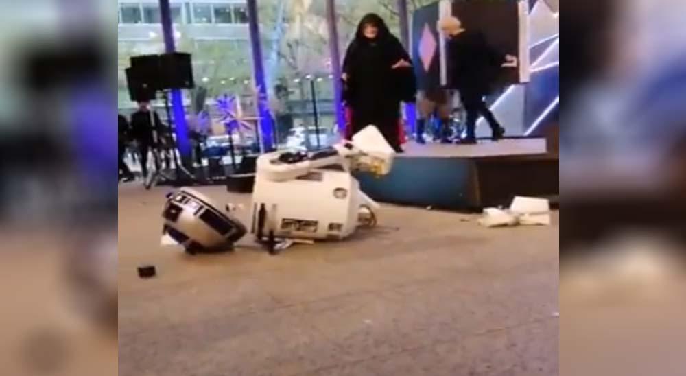 R2-D2 sufre un accidente y se rompe en mil piezas