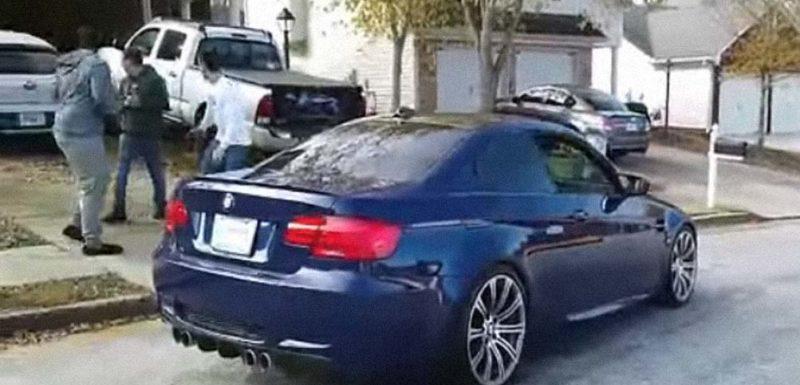 Va a enseñar su nuevo BMW a los amigos y se lo destrozan 1