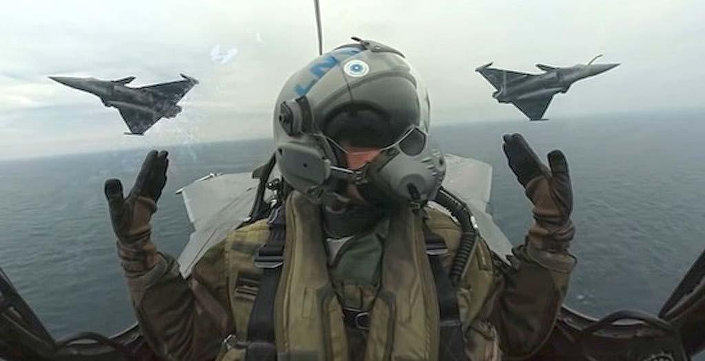 Pilotos Franceses surcan los cielos en estas maniobras de entrenamiento 3