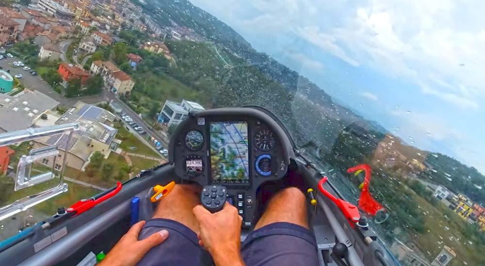 Sobrevolando los tejados con un planeador 4