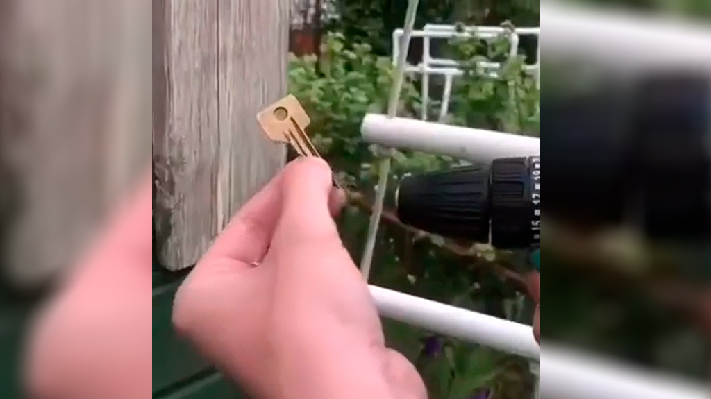 Un truco para atornillar hembrillas sin esfuerzo 3