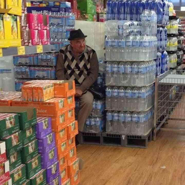 16 maridos que están hartos de ir de compras 8