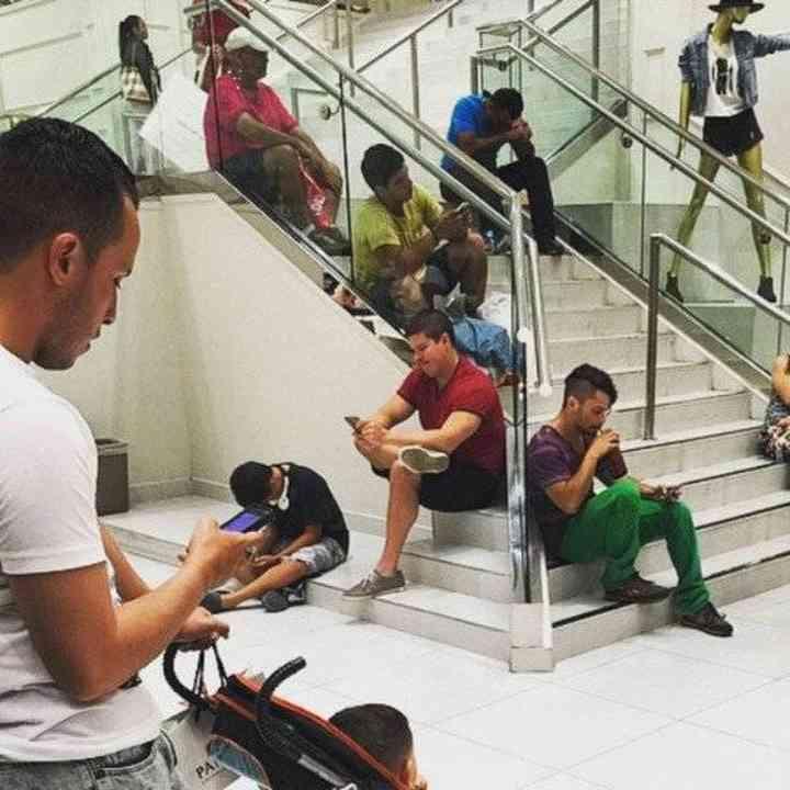 16 maridos que están hartos de ir de compras 12