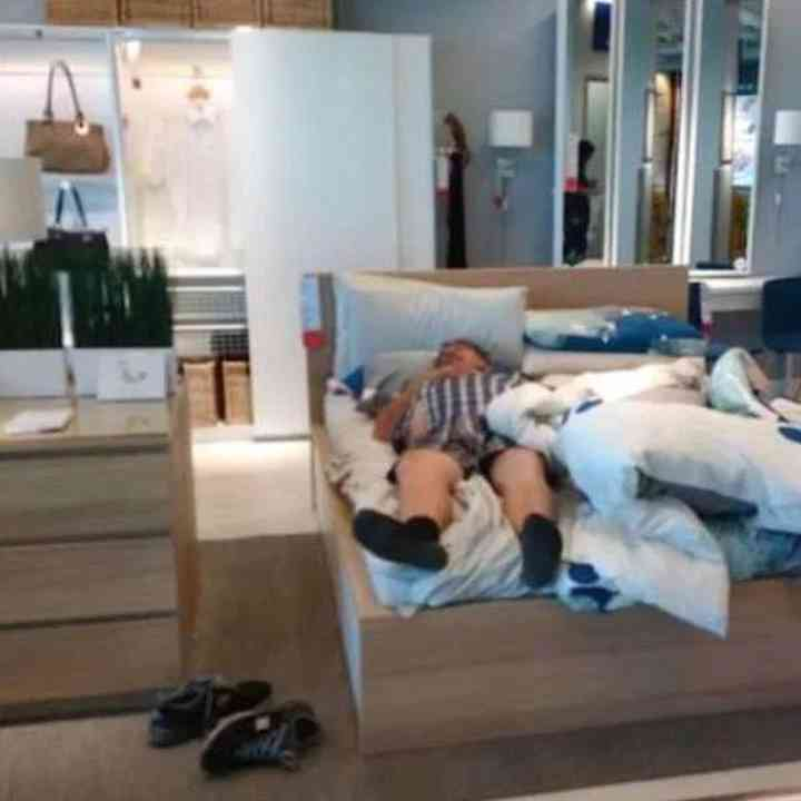 16 maridos que están hartos de ir de compras 13