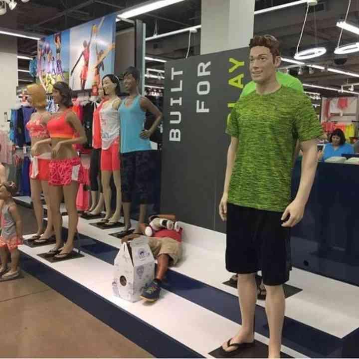 16 maridos que están hartos de ir de compras 14