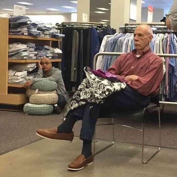 16 maridos que están hartos de ir de compras 16
