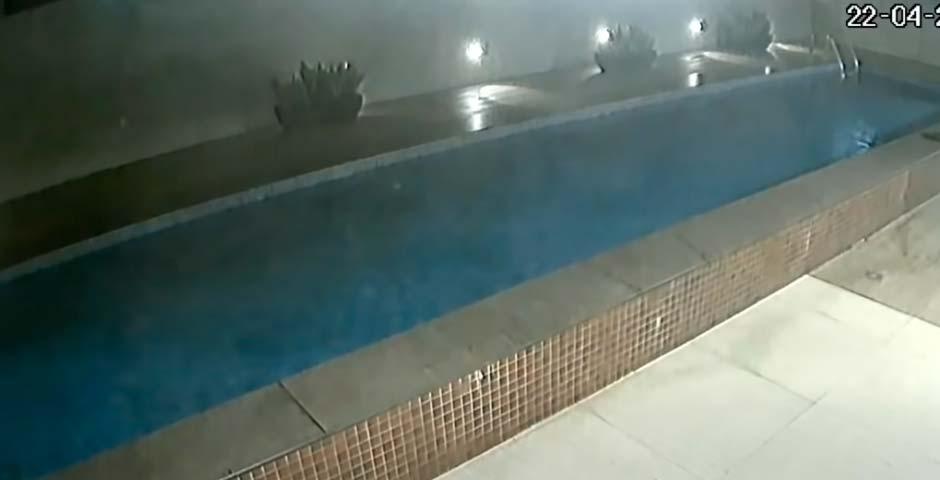 Lo que ocurre con esta piscina te va a sorprender 4