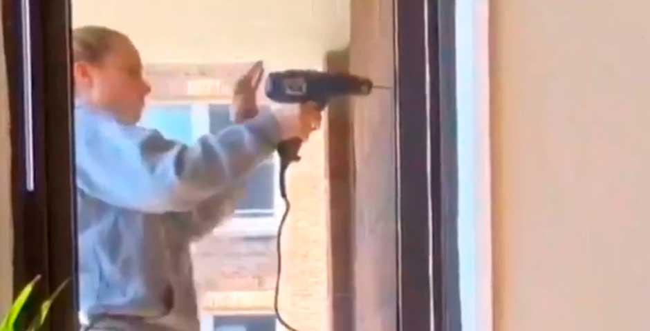 Te vas a sorprender cuando veas como usa una taladradora 2